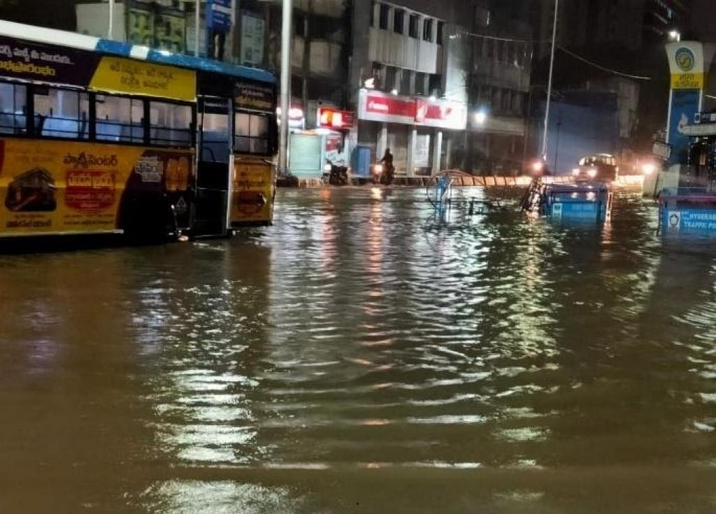 Hyderabad recorded 200 mm excess rainfall on October 17-18, 2020. Photo: Goonj / Twitter