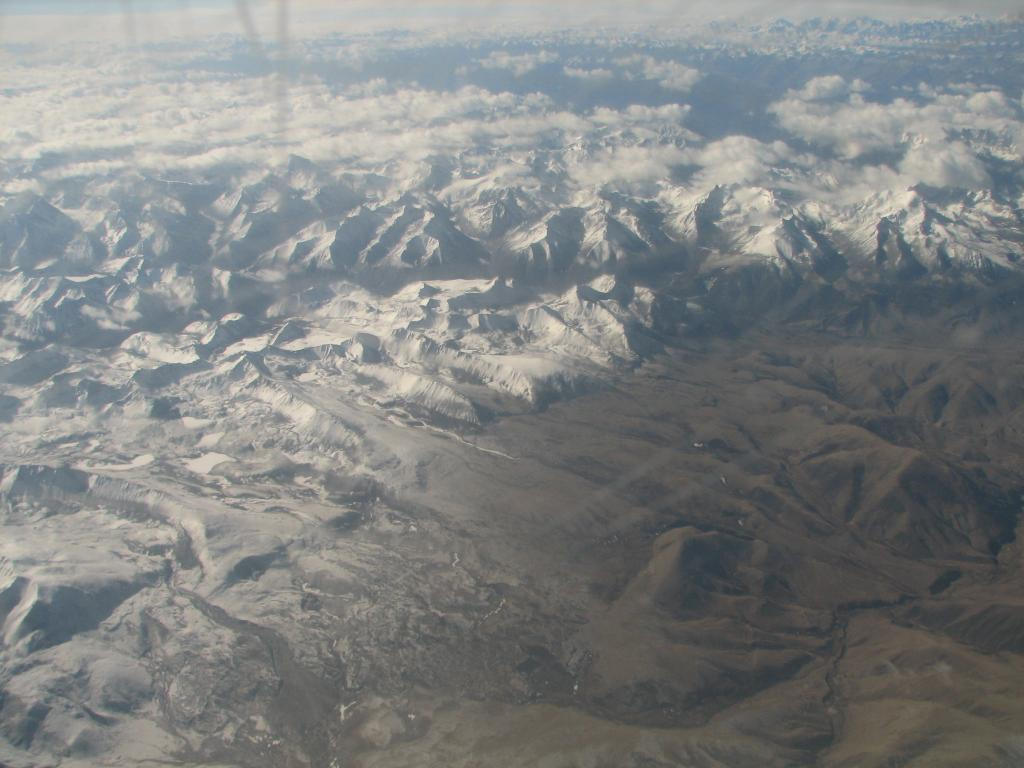 Brown carbon 'tarballs' that influence glacial melt found in Himalayan atmosphere. Photo: Wikimedia Commons