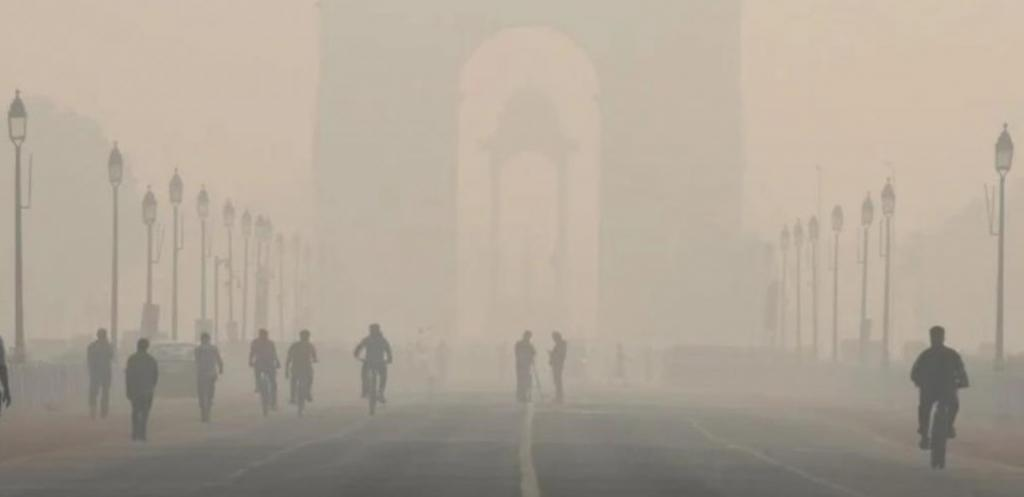 Delhi air pollution crisis: CPCB advises offices to make employees 'work from home'. Photo: @DilipMehtaEsq / Twitter