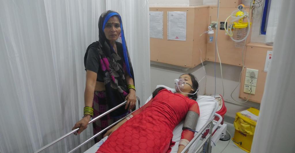 Gender decides how healthcare expenditure is financed in India. Photo: Bhaskarjyoti Goswami / CSE