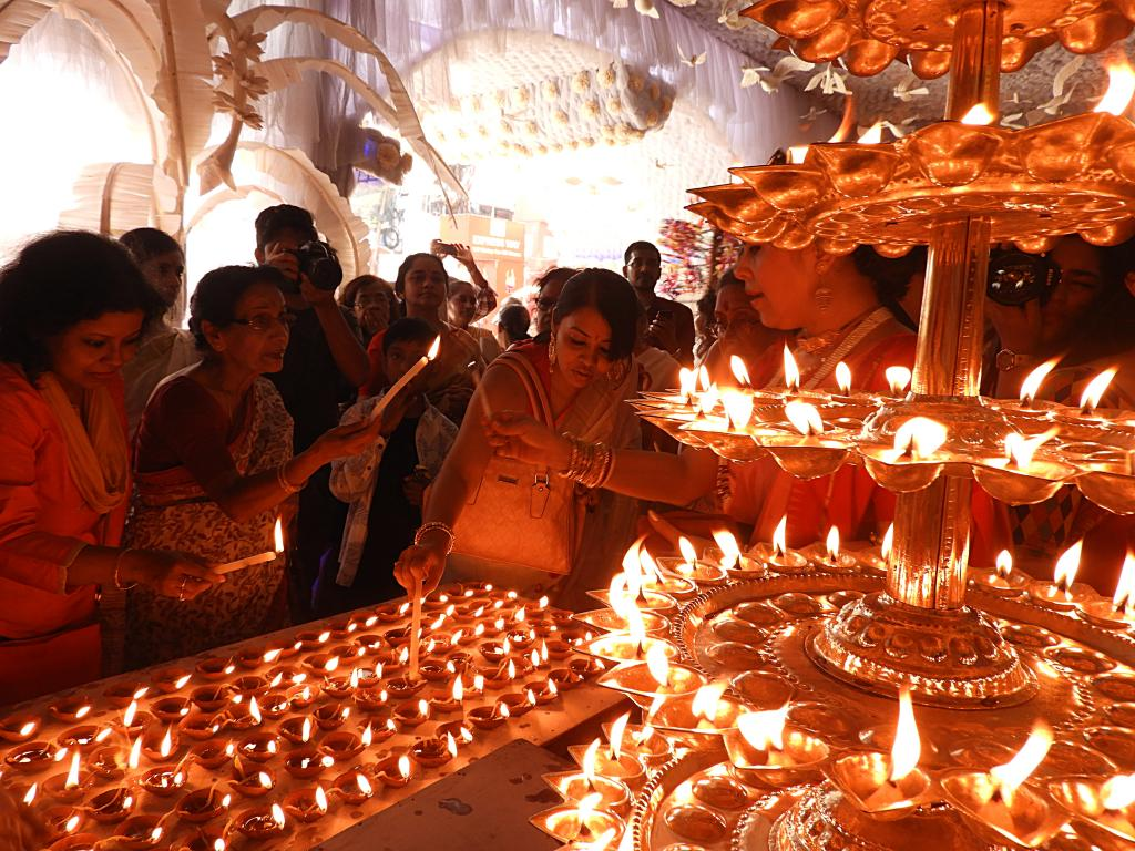 Kolkata experiences cleanest Diwali in 2 decades, but microphone noise a concern. Photo: Wikimedia Commons