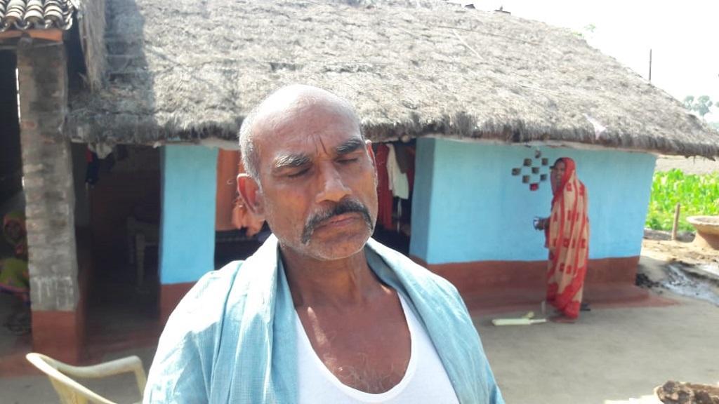 बिहार के भागलपुर जिले के गांव गंगा करहरिया में किसानों की दशा में कोई बदलाव नहीं आया है। फोटो: राजीव रंजन
