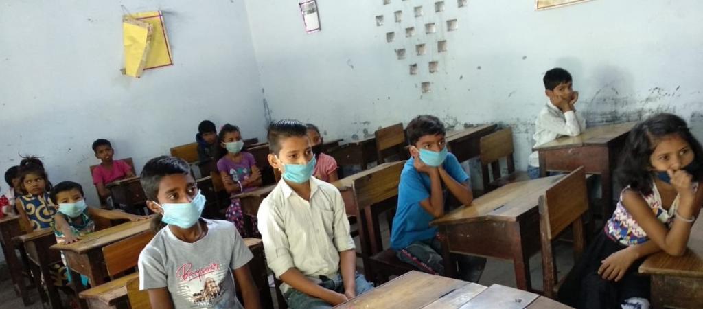 कोरोनावायरस के कारण 30 देशों के 57 करोड़ बच्चों की स्कूली शिक्षा प्रभावित हुई है  Photo: @rishikulshala / Twitter