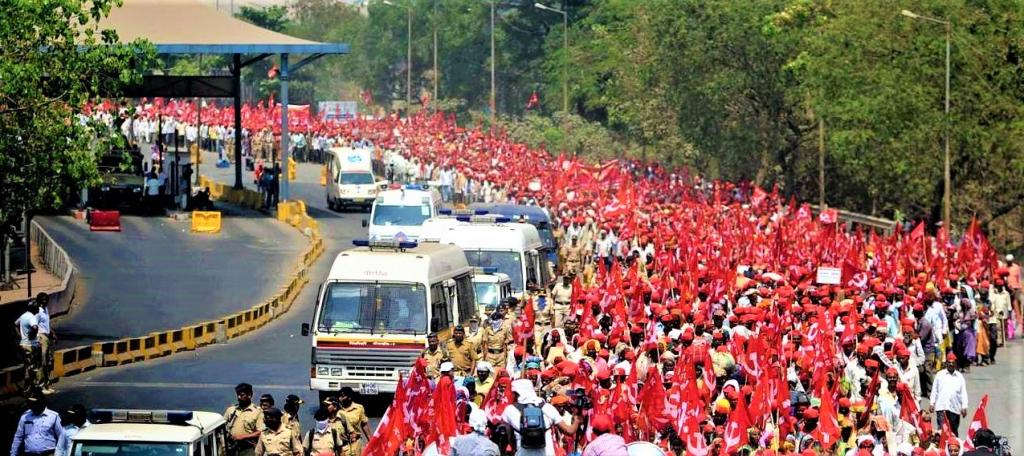 Despite police action, farmers approaching Delhi for mega protest event November 26. Photo: Official handle of CPI(M), Uttar Dinajpur District