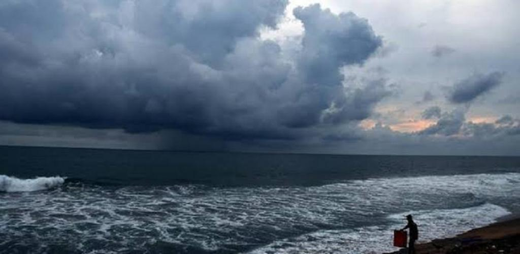 Another storm might be in the offing for Tamil Nadu after Cyclone Nivar. Photo: @Manav_SS_Gupta / Twitter