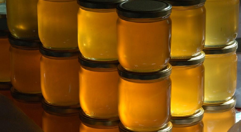 CSE gives FSSAI information about its probe into honey adulteration. Photo: Pixabay
