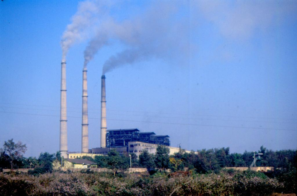 Achieving the 300 mg / Nm3 limit of emission of lethal oxides of nitrogen from coal-fired thermal power plants was possible by installing the state-of-the-art primary solutions, according to Fortum. Photo: Surya Sen