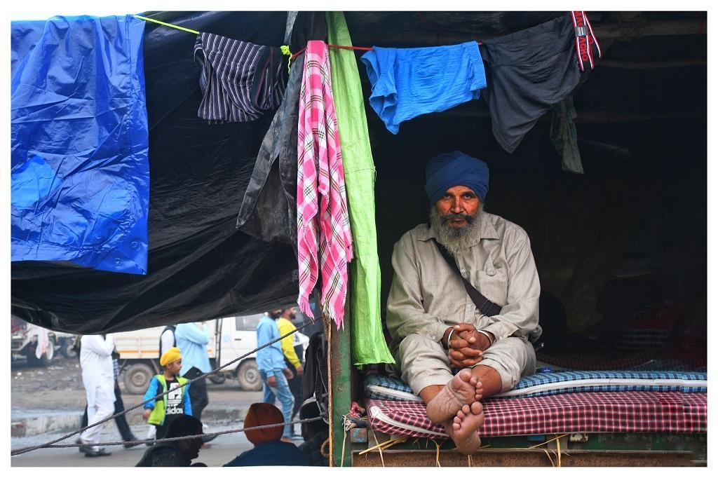 दिल्ली संघू बॉर्डर में पंजाब के किसान धरने पर बैठे हैं। फोटो : धनंजय