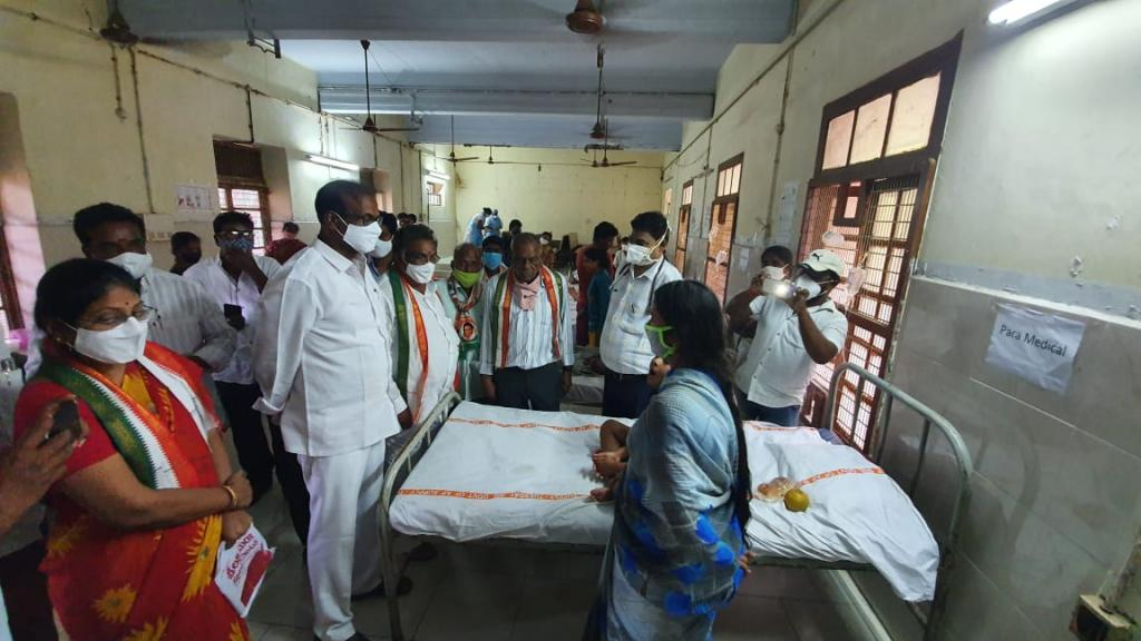 More than 600 have been hospitalised and three dead in Eluru, Andhra Pradesh, from the mystery disease. Photo: Jetti Gurunadha Rao / Twitter