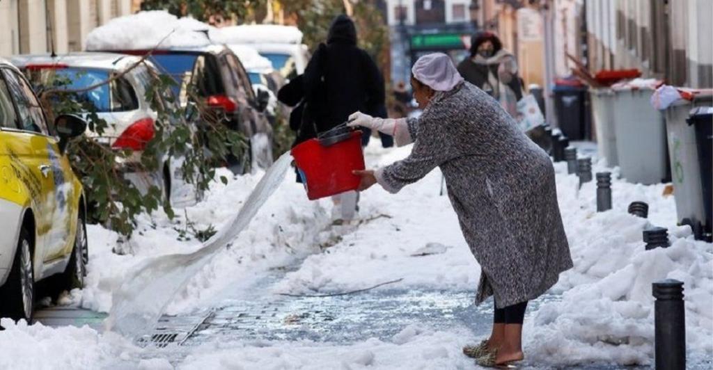 Heavy snowfall in Spain in early January 2021. Photo: @asiyaansar / Twitter