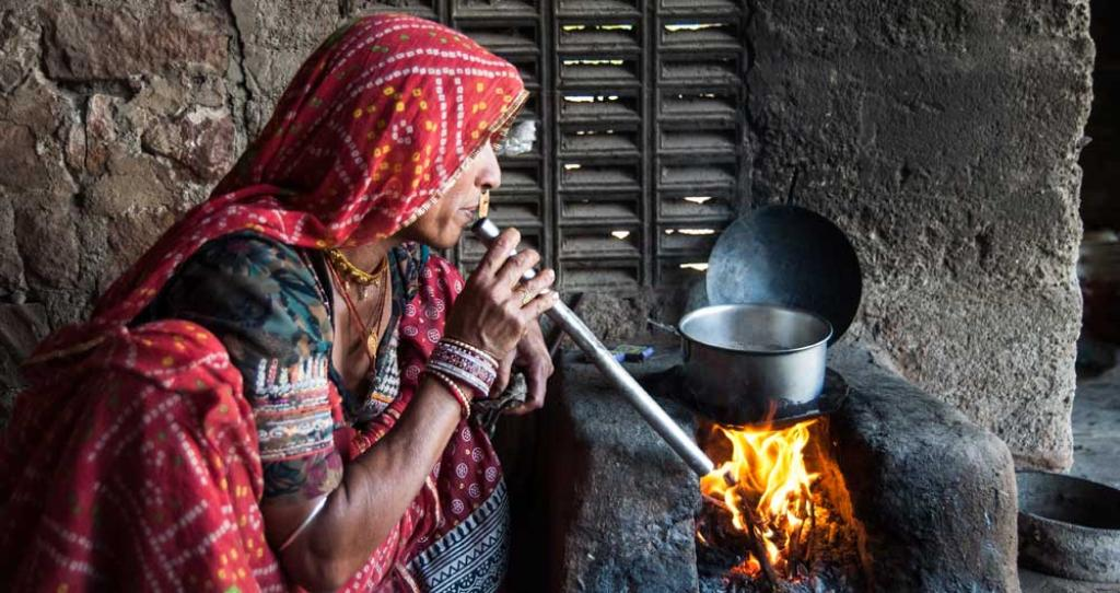 The Ujjwala Scheme, which has benefited eight crore households so far, will be extended to cover one crore more beneficiaries as part of Union Budget 2021-22. Photo: TERI