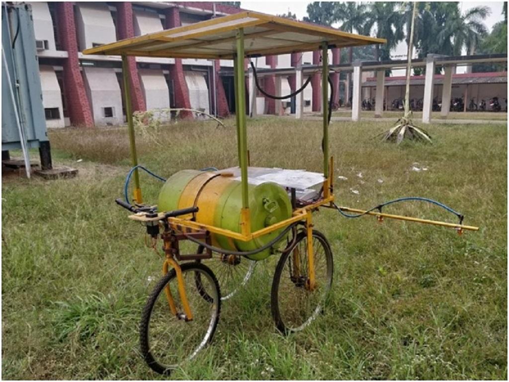 IIT-K scientists design mobile pesticide sprayer that runs on solar energy