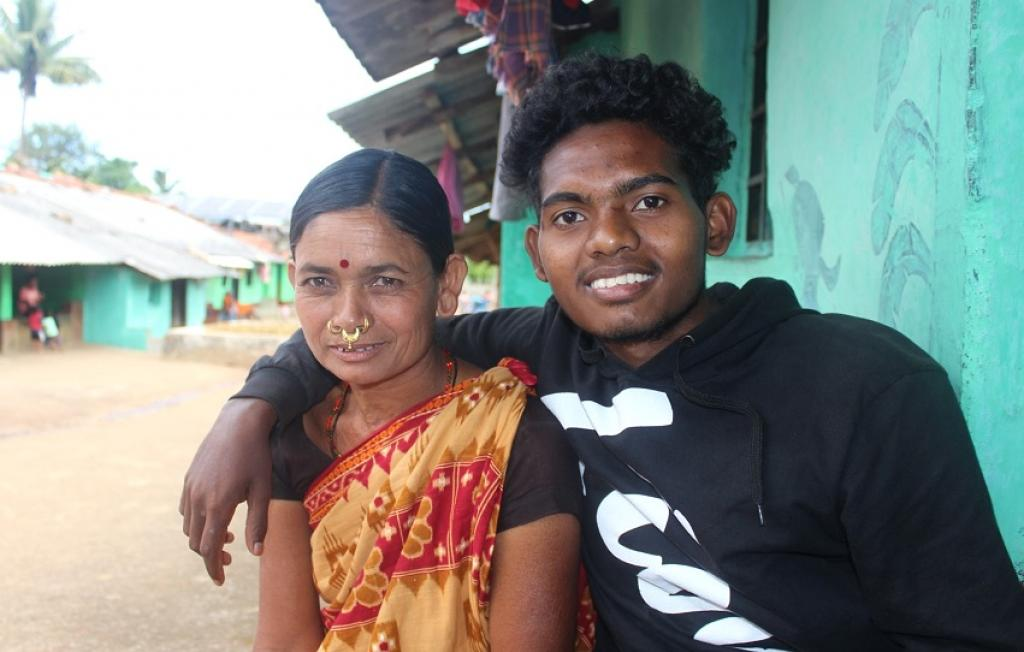 Naveen Sant with his mother in Dashamantapur block of Koraput district.  Photo courtesy: Abhijit Mohanty