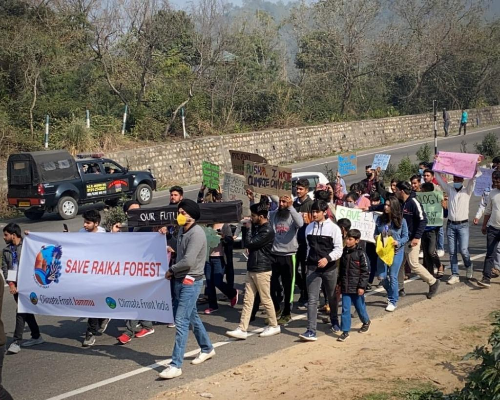 Jammu's Chipko moment: Environment activists hug trees in protest of plan to cut down 38,000 trees Photo: Climate Front