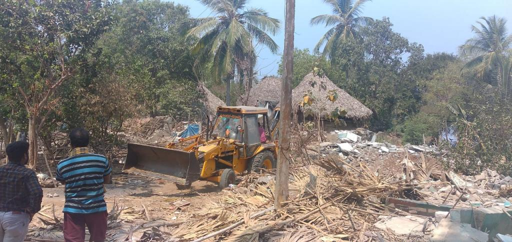 The Andhra Pradesh High Court stayed the demolition of houses in the villages falling in the way of the Indira Sagar Polavaram Irrigation project in east and west Godavari districts. Photo: Vicky Kumar Saw