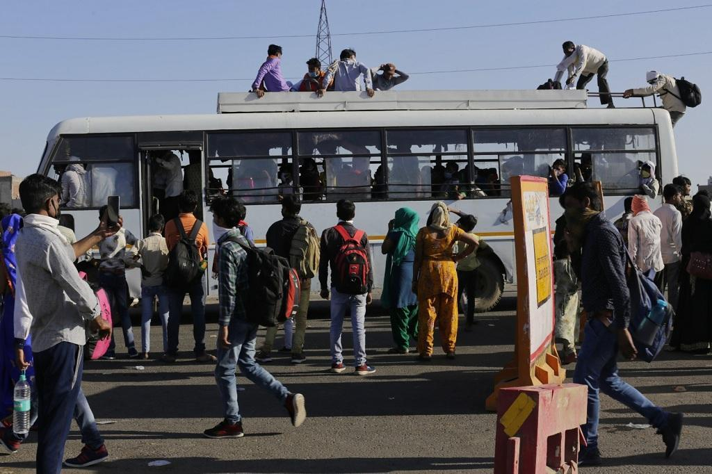 A spike in the novel coronavirus disease cases in Gujarat has triggered reverse migration of migrant workers again. Photo: Vikas Choudhary