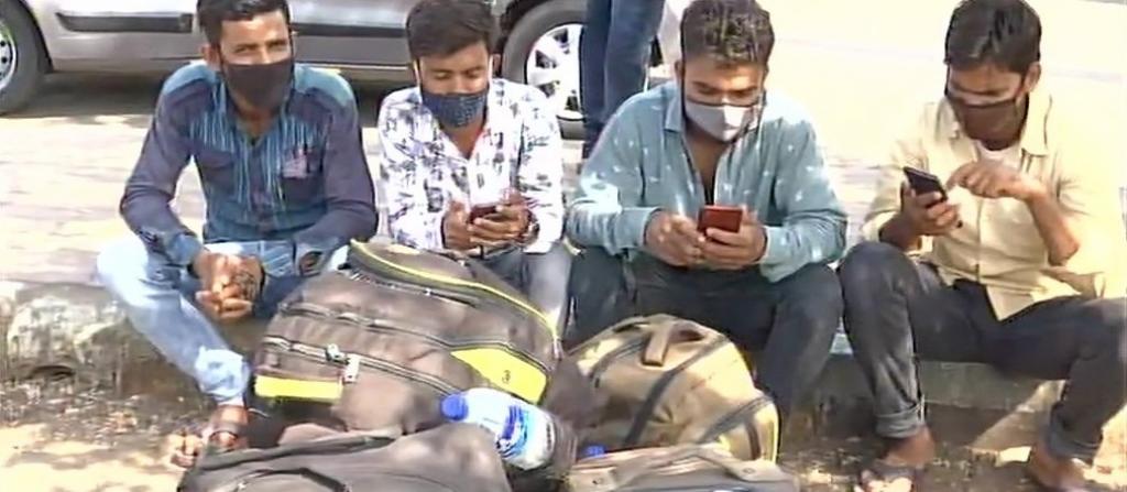 Panic among migrant workers as fresh COVID-19 lockdown starts in Mumbai