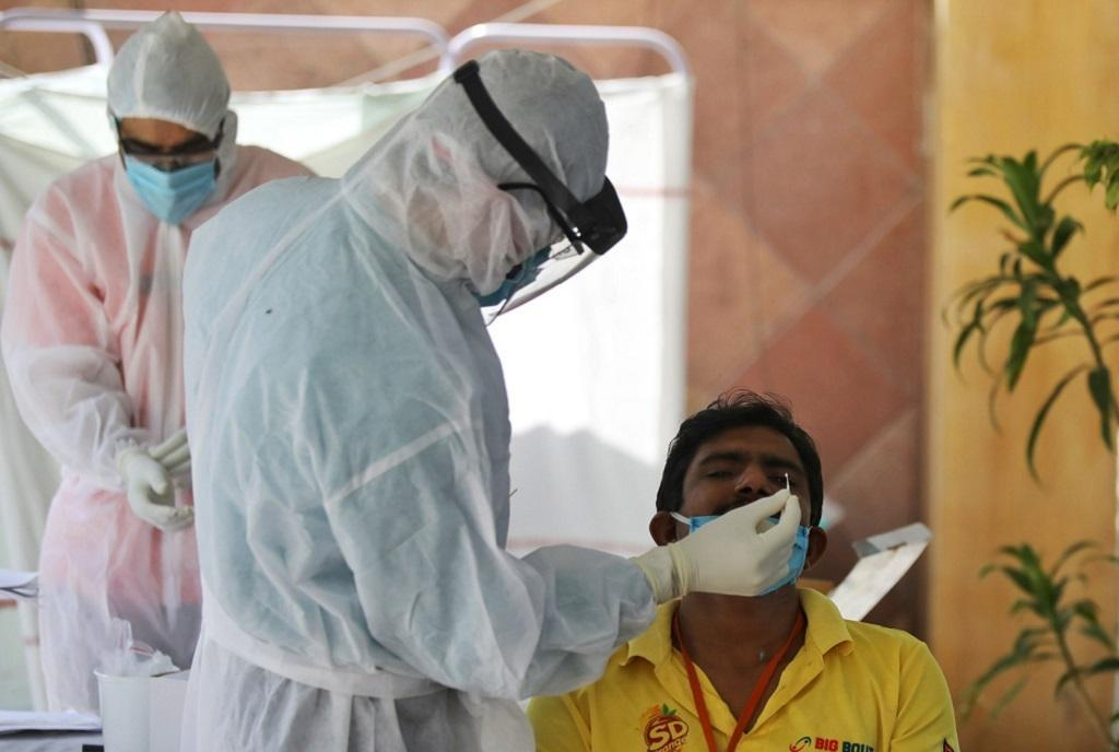In 15-20 per cent of samples from the Indian state of Maharashtra a new, double mutation in key areas of the virus has been detected. Photo: DTE