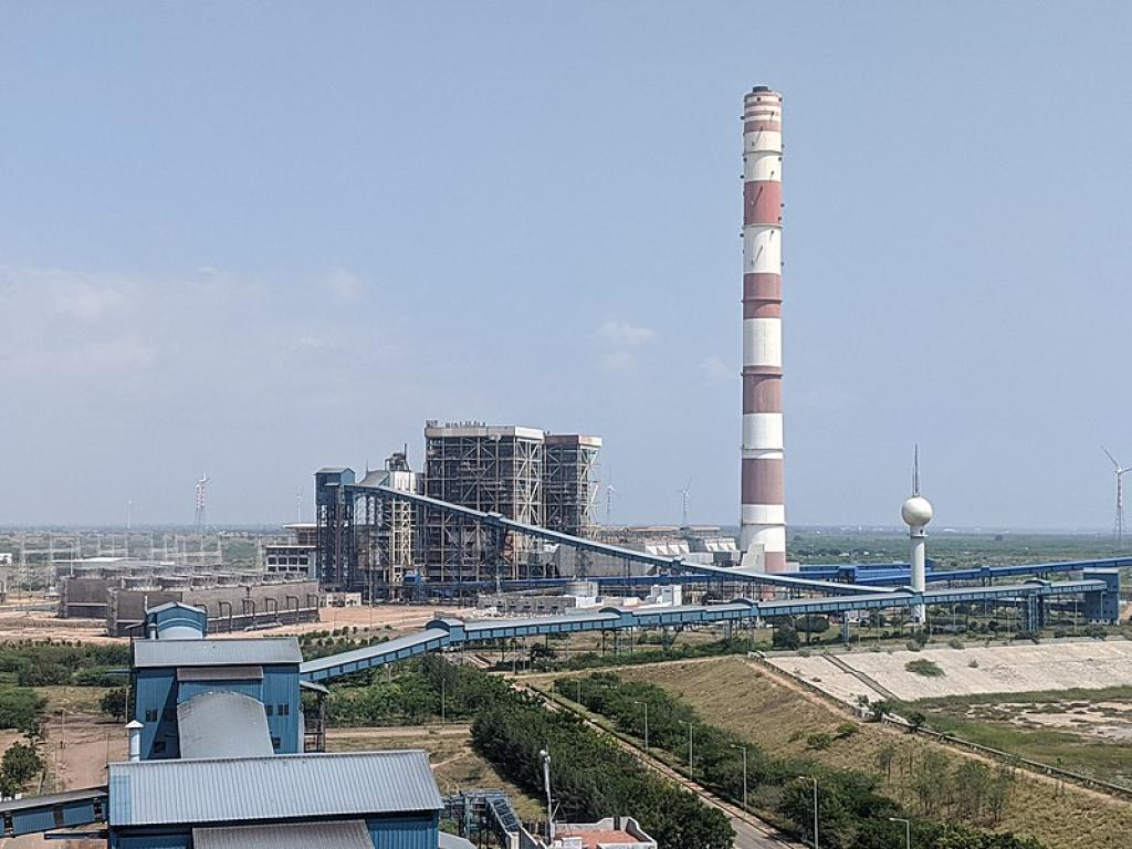 An amending ministry of environment gives coal-fired power plants full permission to pollute: CSE