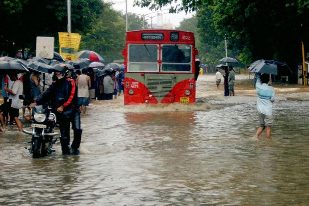 जलवायु परिवर्तन के चलते भारतीय मानसून हो रहा है अधिक अस्थिर, इस साल हो सकती है भारी बारिश