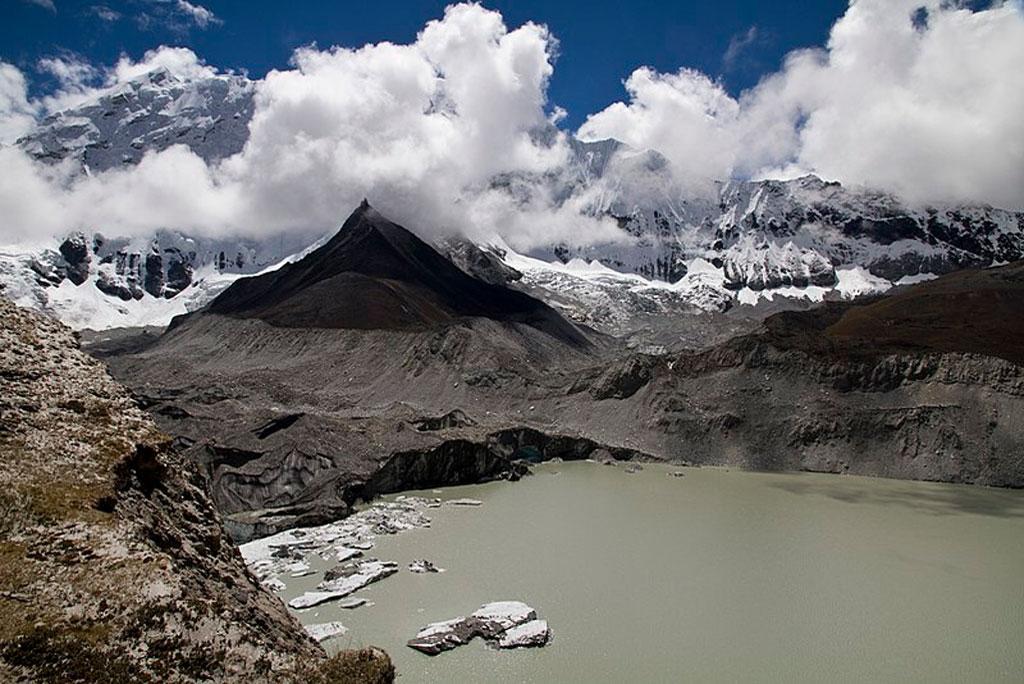 हिमालयी क्षेत्र में बाढ़ की घटनाओं की रोकथाम के लिए आईआईटी वैज्ञानिकों ने चेतावनी प्रणाली लगाने का दिया सुझाव
