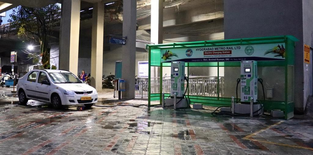 Meghalaya is a new entrant to the electric vehicle club that includes over a dozen states in India. This is an electric vehicle charging station in Begumpet, Hyderabad. Photo: iMahesh via Wikimedia
