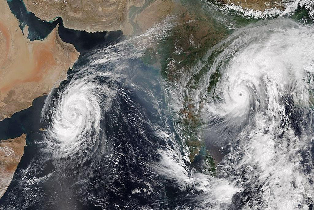मौसम अपडेट: लक्षद्वीप, केरल गुजरात, कर्नाटक और गोवा के तटीय इलाकों में चक्रवाती तूफान के साथ भारी बारिश के आसार हैं