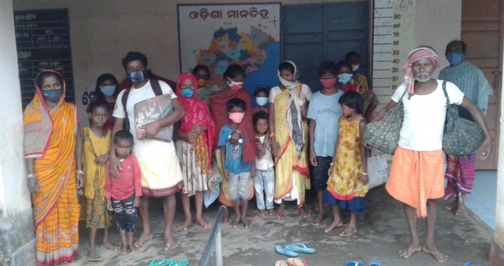 A primary school-turned-shelter home for rural people in Khunta block under Mayurbhanj district of Odisha. Photo: Srinibas Das