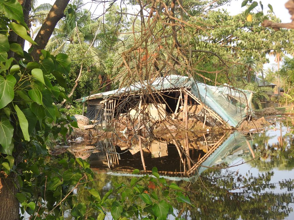 Cyclone Yaas: Battered Sunderban islands brace for another round of massive floods. Photo: Medha Basu