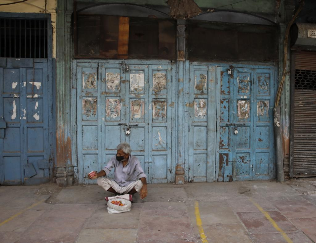 Daryanganj in Old Delhi, which houses the popular Sunday second-hand book market, was also seen slowly resuming economic activities. Many businesses in the city could not survive the lockdowns and have shut shop, as visible from the 'To Let' signs on the shutters. Over 66,000 people in Delhi received a dose of the COVID-19 vaccine in the last 24 hours, according to the health department.