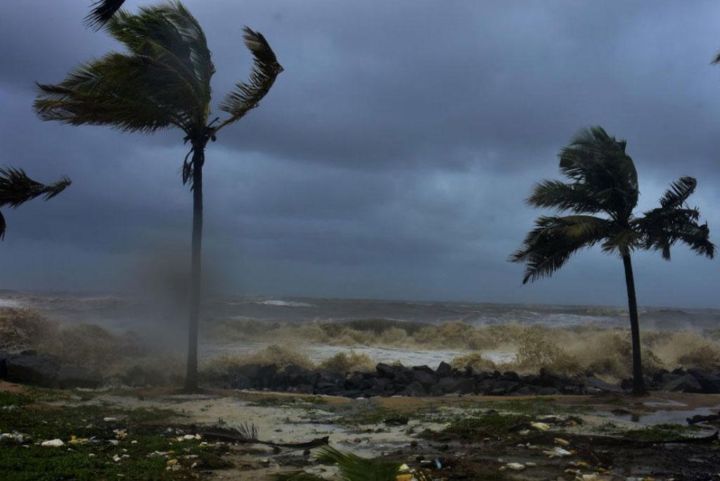 वैश्विक जलवायु में हो रहे बदलाव के चलते लगातार बढ़ रहे है तूफान