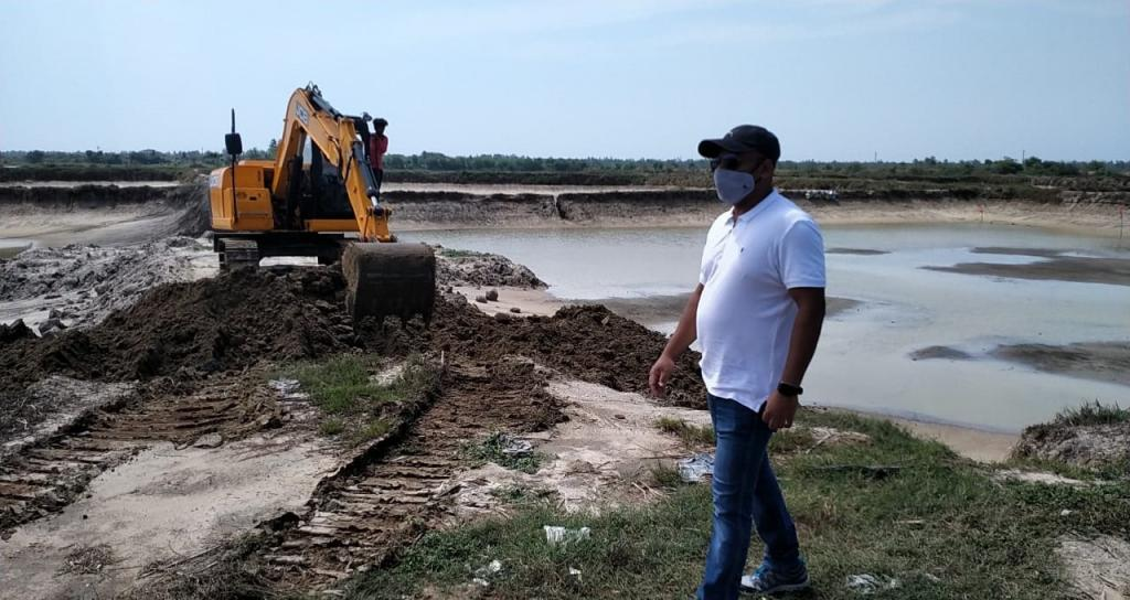 Odisha resumes evicting illegal prawn gherries in Chilika. Photo: By special arrangement