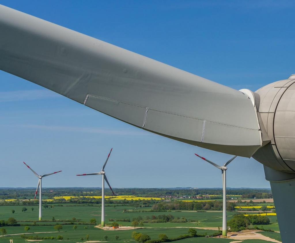 Europe has banned disposal of decommissioned wind turbine blades in landfills. Photo: Phys.org