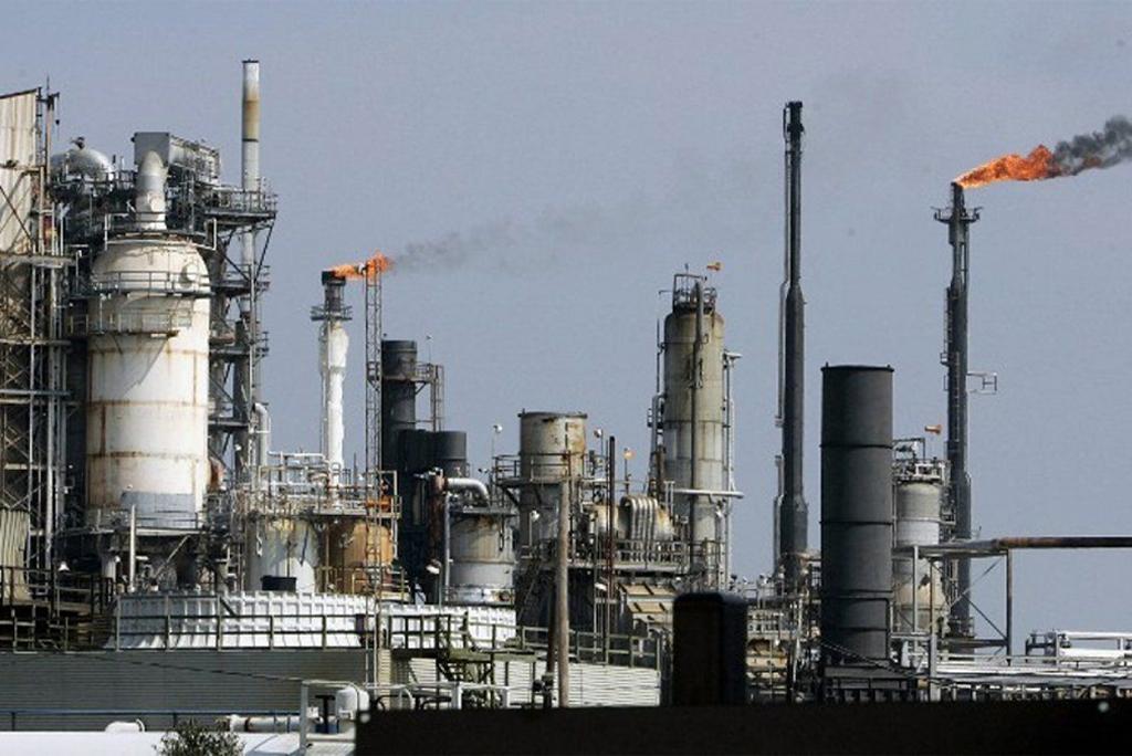तेल रिफाइनरियों से बहुत ज्यादा उत्सर्जन की आशंका : अध्ययन
