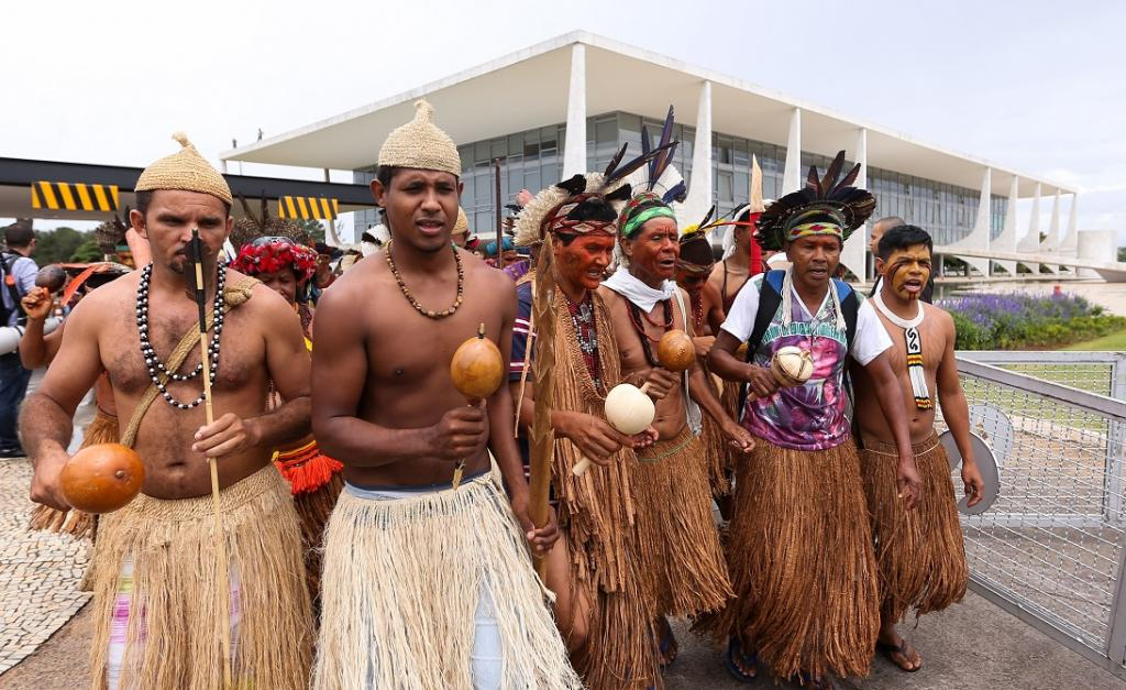 But indigenous rights activists say those indigenous residents who were forced off their lands during Brazil's 1964-1985 military dictatorship, should also benefit from the protected status of official reservations. Photo by Marcelo Camargo / Agência Brasil