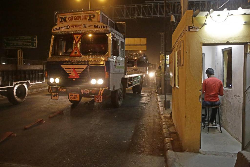 आज से दिल्ली में प्रवेश करने वाले व्यावसायिक वाहनों के लिए आरएफआईडी टैग होगा अनिवार्य