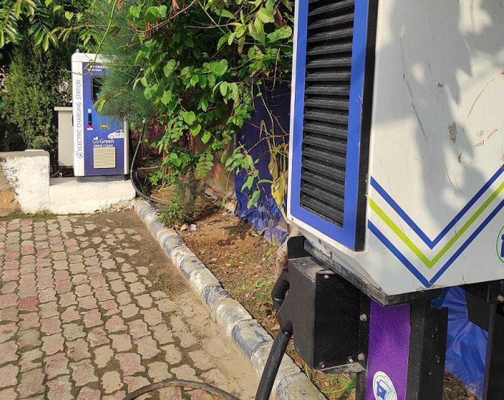 An EV charging station in Gurugram. Photo: Joyjeet Das / CSE