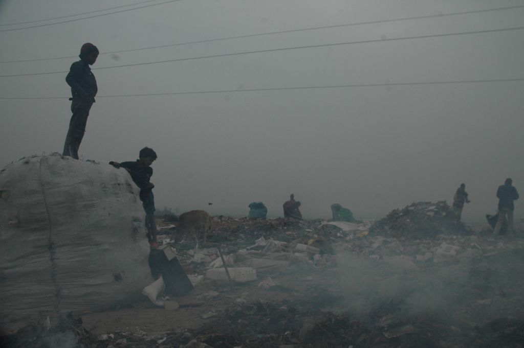 As many as 152 million (1 in 10) children work as labourers across the world. Photo:  Agnimirh Basu