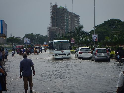 Floods in polluted rivers can pollute groundwater too