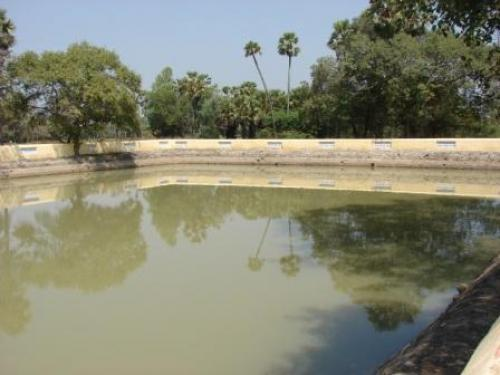Restoring tanks increases their water-retention capacity by de-siltation, thus improving on-farm moisture-retention capacity