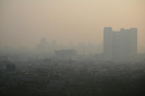 Air pollution level increases in the winter due to paddy residue burning in Punjab, Haryana and Uttar Pradesh. The presence of particulate matter in the air is the major reason for Delhi's dirty air