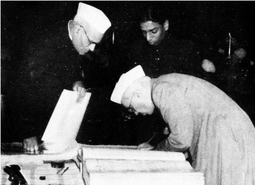 Nehru validates the constitution of India in January 1950. Credit: Dr Ghulam Nabi Kazi/ Flicker