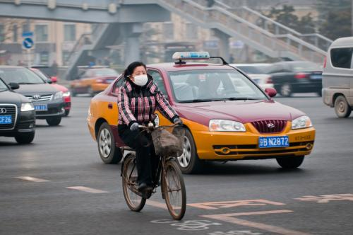 The poor quality of air in China's cities forces citizens to resorts to emergency measures such as masks (Credit: iStock)