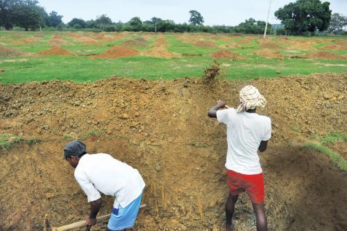 Is Jharkhand's ambitious Aadhaar linkage derailing MGNREGA?