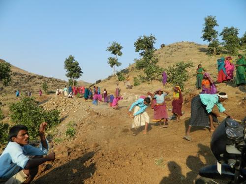 भारत की आपराधिक बर्बादी: मनरेगा के तहत एक करोड़ से अधिक का काम अधूरा