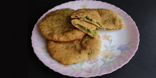 Green soya bean stuffed bhatoora