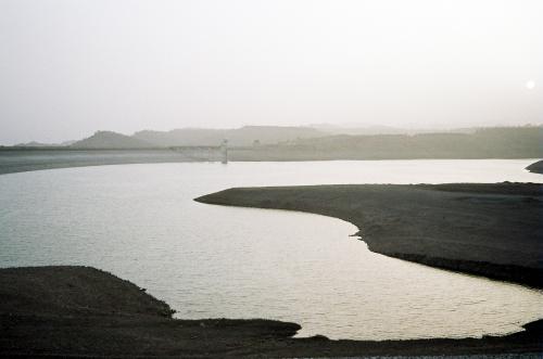 प्रचंड गर्मी सतह से चुरा लेती है करीब 2 लाख लोगों के साल भर का साफ पानी