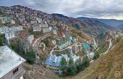 Parched Shimla struggles with leaking pipes, tourist influx