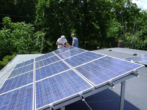 Rooftop solar power's massive job potential untapped