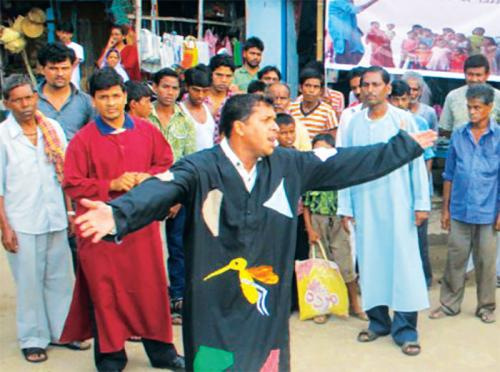 A street play to raise awareness against dengue and chikungunya in